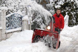 Attensam Schneeräumung